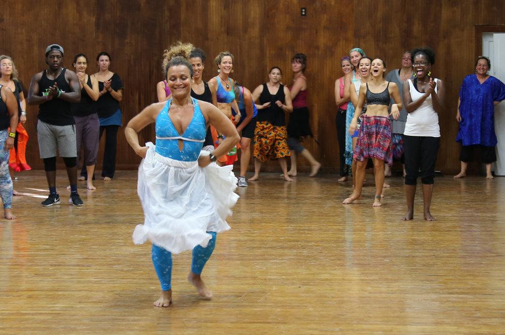 Quenia+Ribeiro+Fun+Dance+Class.jpeg