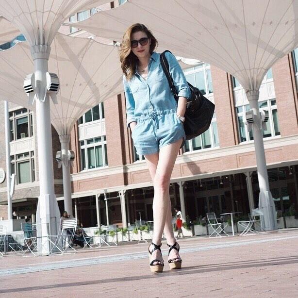 ᴿᴵˢᴱ ᴬᴮᴼᵛᴱ 〰 . . . . . #blogger #ontheblog #fashionista #fashionblogger #fashionblog #instafashion #fashiondaily #streetstyle #ootd #fashioninspo #styleinspiration #styleblogger #stylegram #lookbook #lookoftheday #whatiwore #fashionlover #fashion addict #fblogger #velvetheart #romper #denim #fortworth #fortworthinsta