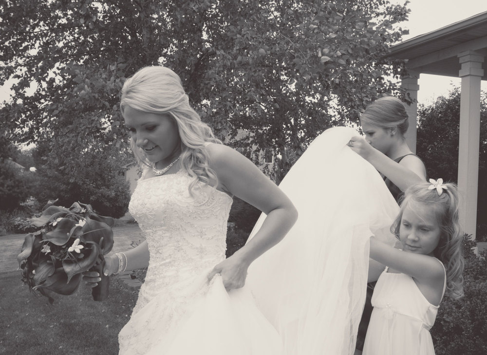 ElisabethBrandon_Wedding_10_BrynaShields.jpg