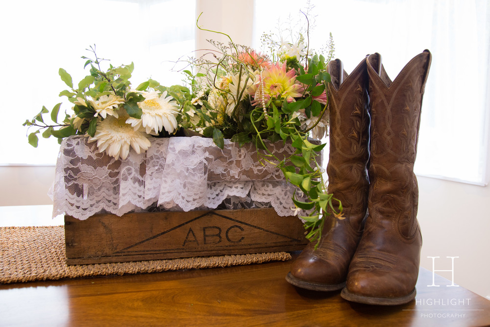 highlight_wedding-photography_new-zealand_flowers-and-boots.jpg