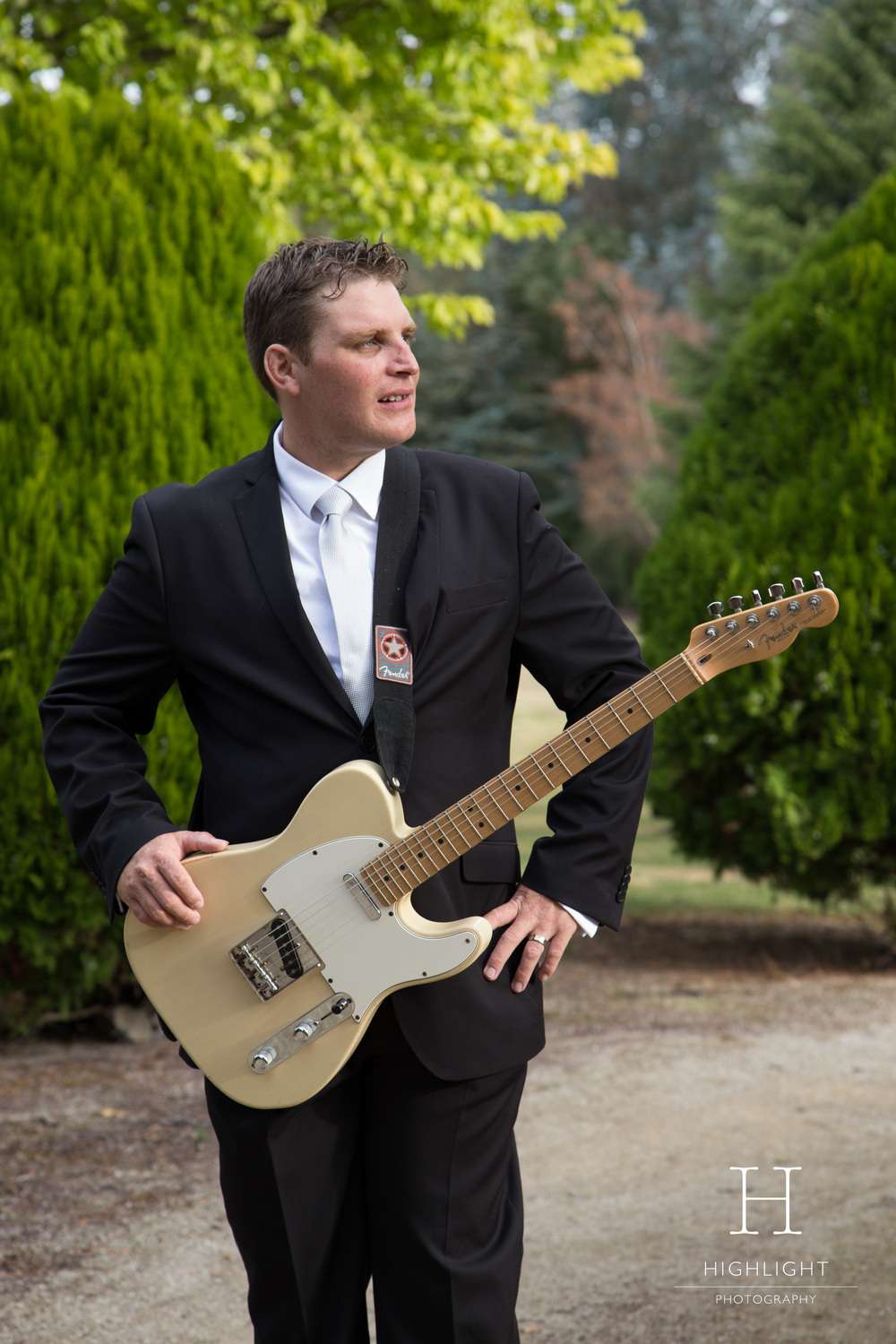 highlight_photography_wedding_new_zealand_guitar.jpg