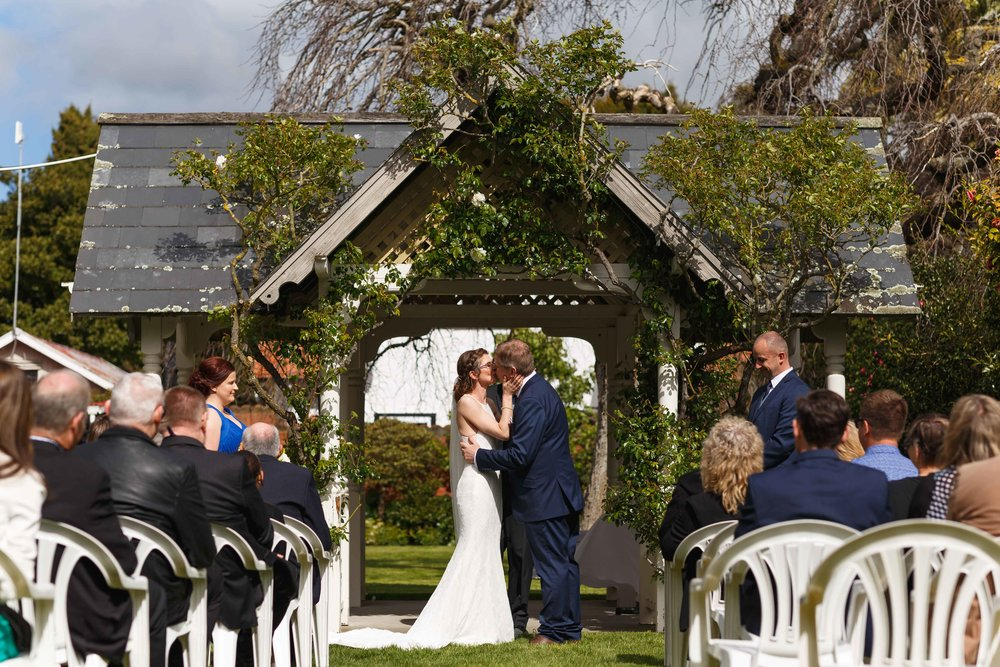 highlight-wedding-photography-hotel-coachman-palmerston-north-31.jpg