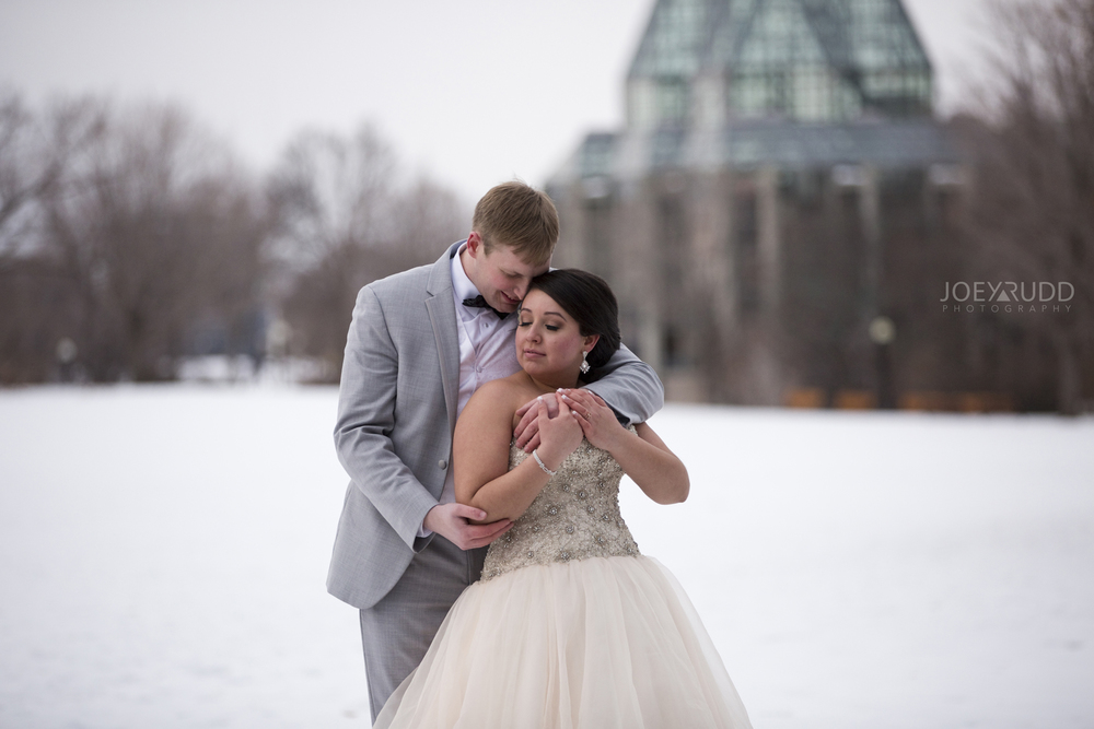 Downtown Ottawa Wedding Photographer Nataional Art Gallery Winter
