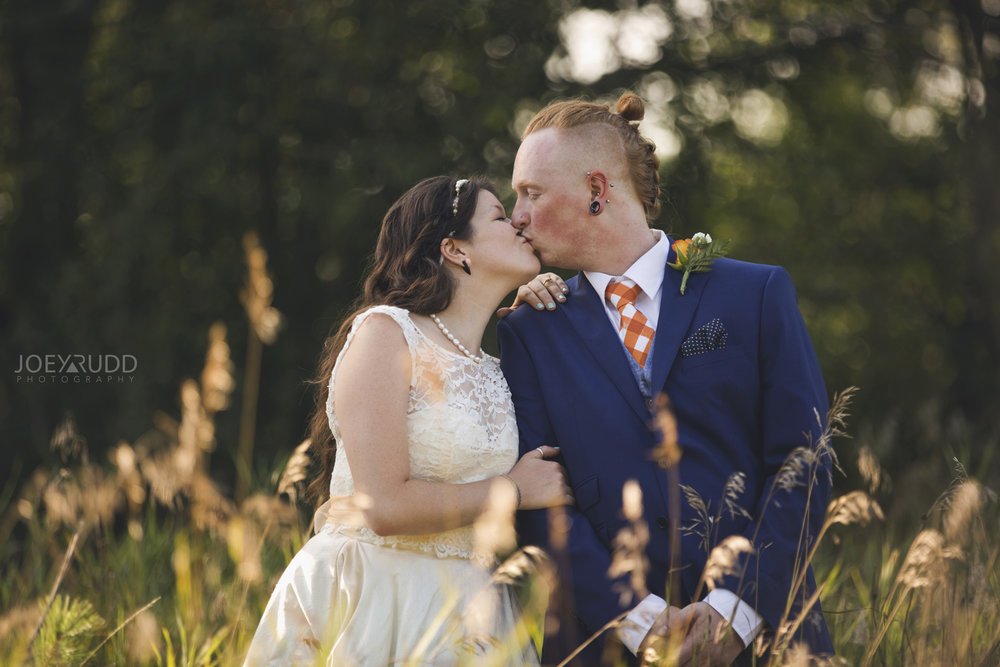 Backyard Kingston Wedding by Ottawa Wedding Photographer Joey Rudd Photography Artistic