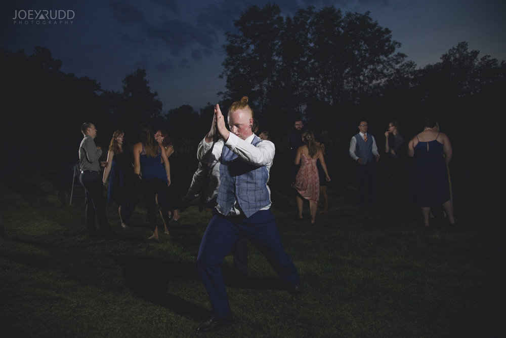 Backyard Kingston Wedding by Ottawa Wedding Photographer Joey Rudd Photography