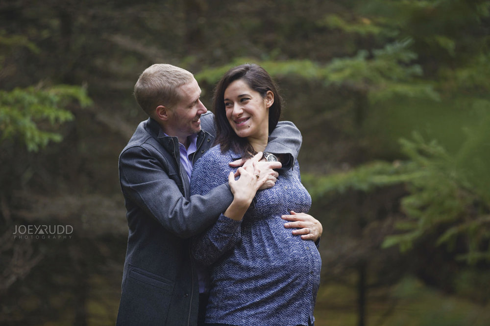 Family and Maternity Session by Ottawa Photographer Joey Rudd Photography Couples
