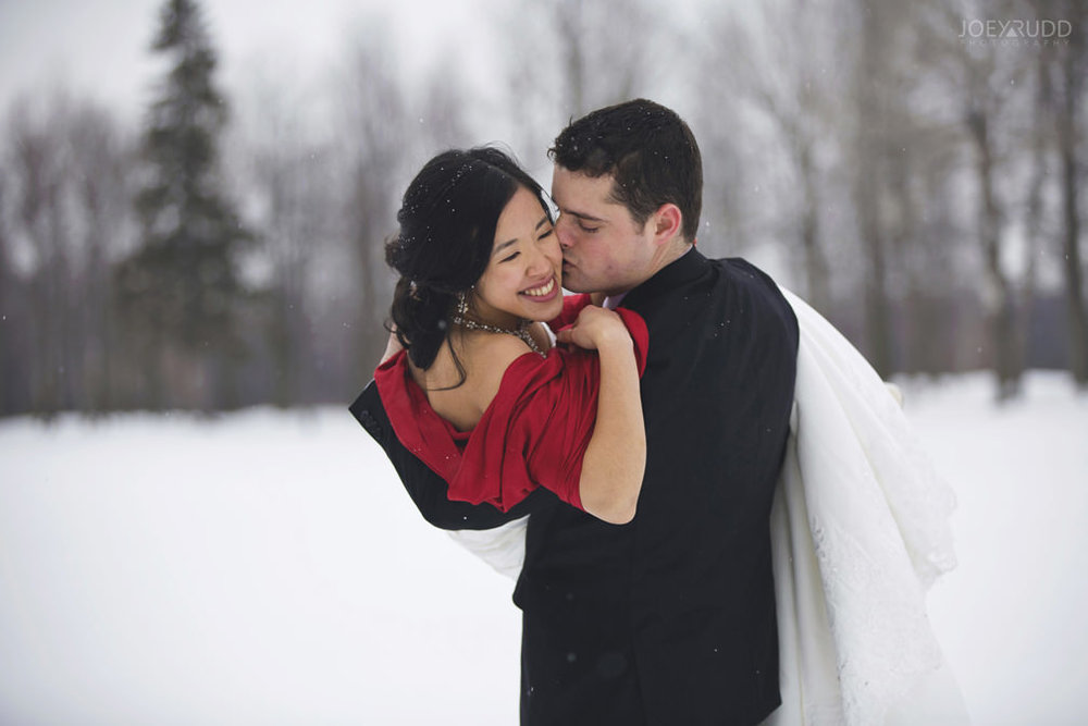 Best of 2016 Ottawa Wedding Photographer Joey Rudd Photography Candid Lifestyle Photojournalistic Wedding Photos Winter Pose