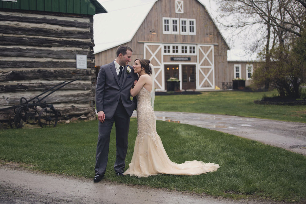 stonefields wedding by ottawa wedding photographer joey rudd photography barn venue best