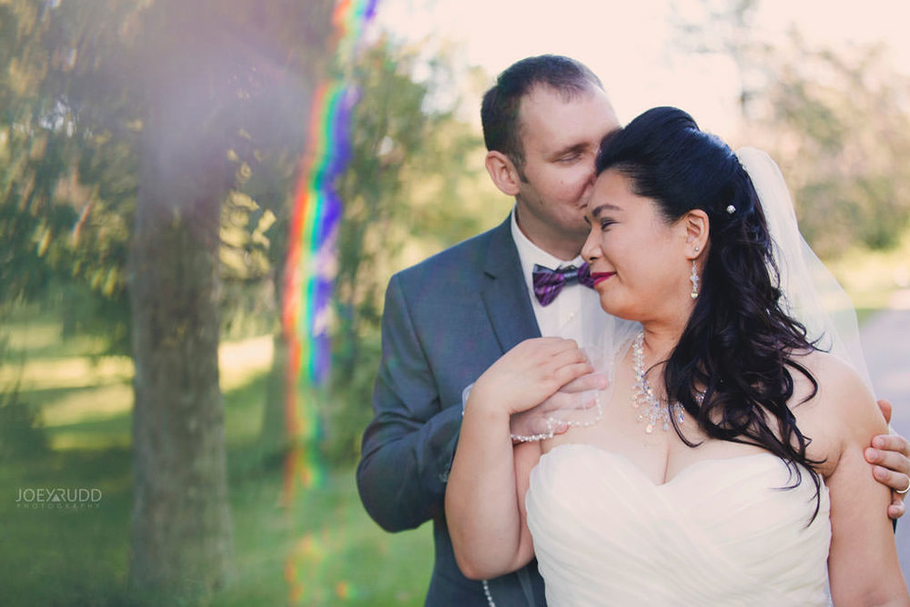 Wedding photos at the arboretum experimental farm by ottawa wedding Photographer Joey Rudd Photography prism interesting candid