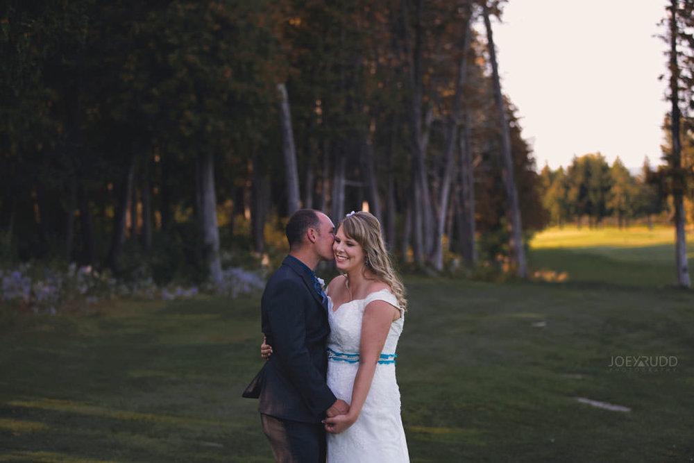 Sand Point Golf Course Wedding in Arnprior by Ottawa Weding Photographer Joey Rudd Photography