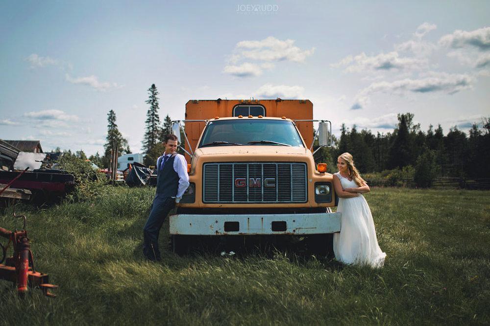Ottawa Wedding Photography by Ottawa Wedding Photographer Joey Rudd Photography Elopement Carleton Place Smiths Falls Ontario Rustic Truck Field