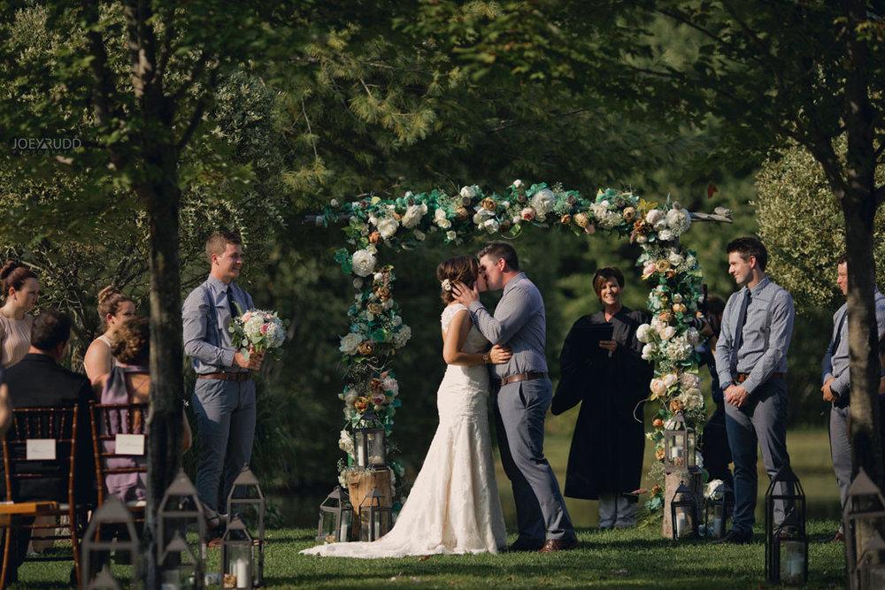Bean Town Ranch Wedding by Ottawa Wedding Photographer Joey Rudd Photography kiss