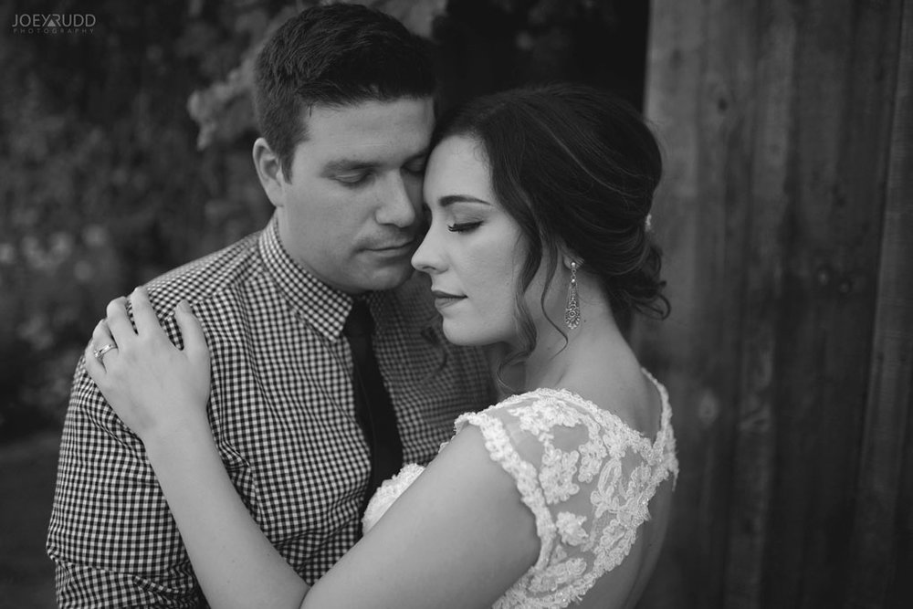 Bean Town Ranch Wedding by Ottawa Wedding Photographer Joey Rudd Photography couple