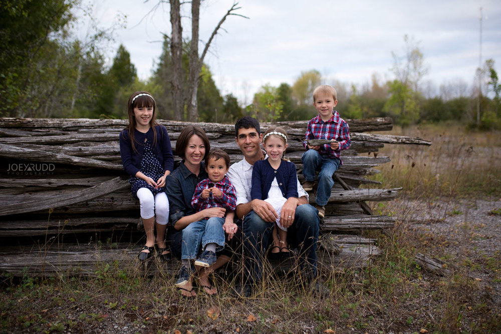 Family Photography Session in Perth Ontario by Ottawa Photographer Joey Rudd Photography