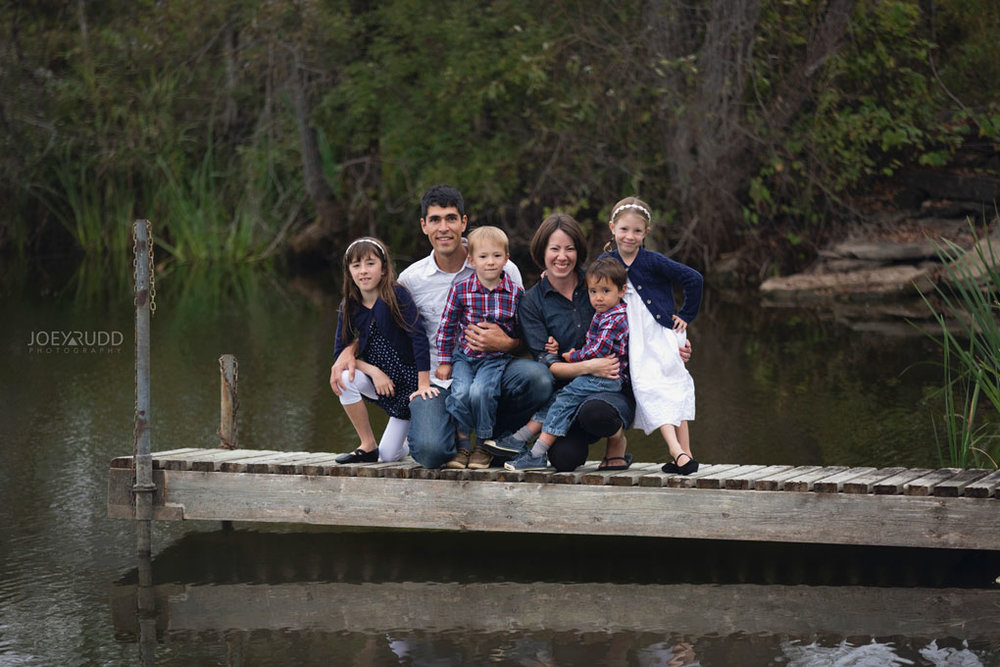 Family Photography Session in Perth Ontario by Ottawa Photographer Joey Rudd Photography  Dock