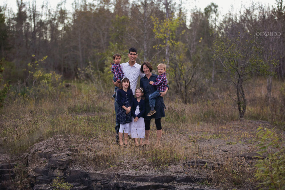 Family Photography Session in Perth Ontario by Ottawa Photographer Joey Rudd Photography Lifestyle Rocks