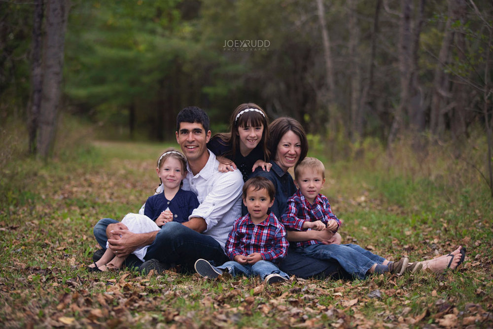 Family Photography Session in Perth Ontario by Ottawa Photographer Joey Rudd Photography Lifestyle Fall