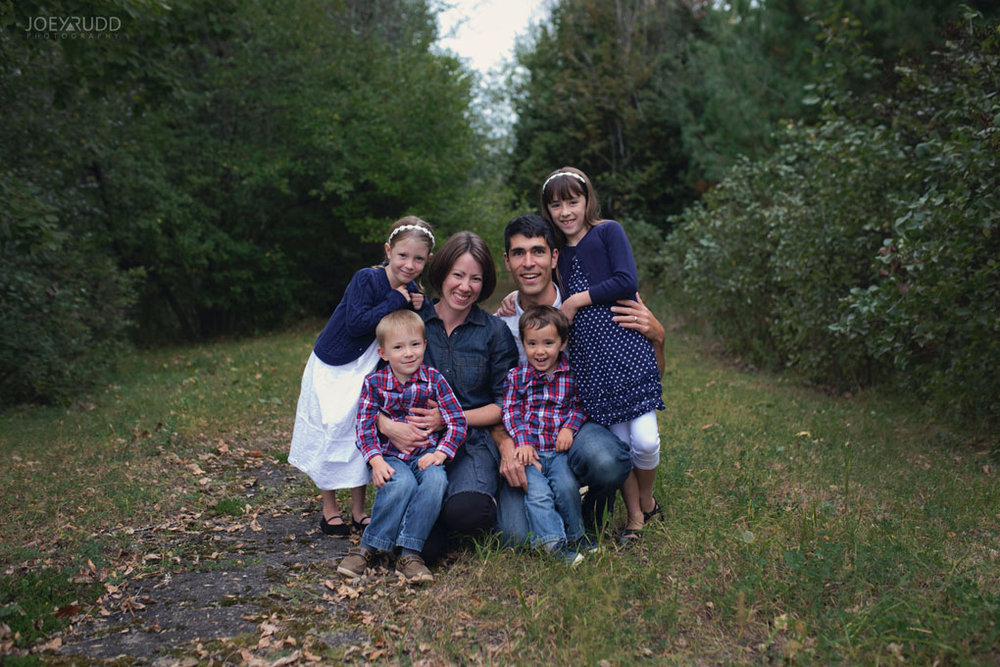 Family Photography Session in Perth Ontario by Ottawa Photographer Joey Rudd Photography Lifestyle Outdoors