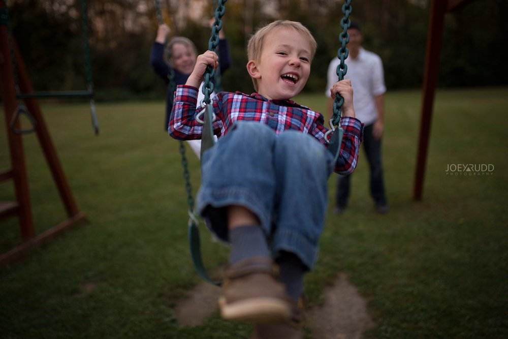 Family Photography Session in Perth Ontario by Ottawa Photographer Joey Rudd Photography Lifestyle Play Swing