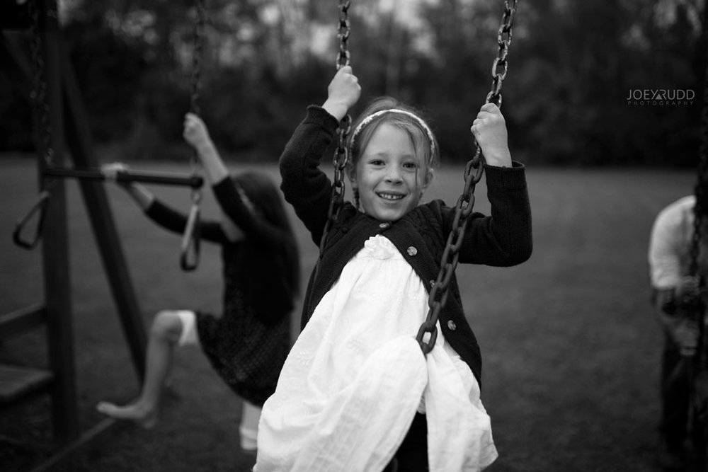 Family Photography Session in Perth Ontario by Ottawa Photographer Joey Rudd Photography Lifestyle Play Swinging