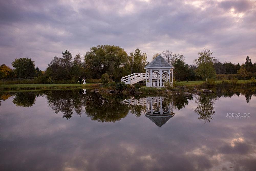 Orchard View Wedding by Ottawa Wedding Photographer Joey Rudd Photography Fall Ottawa Wedding Venue