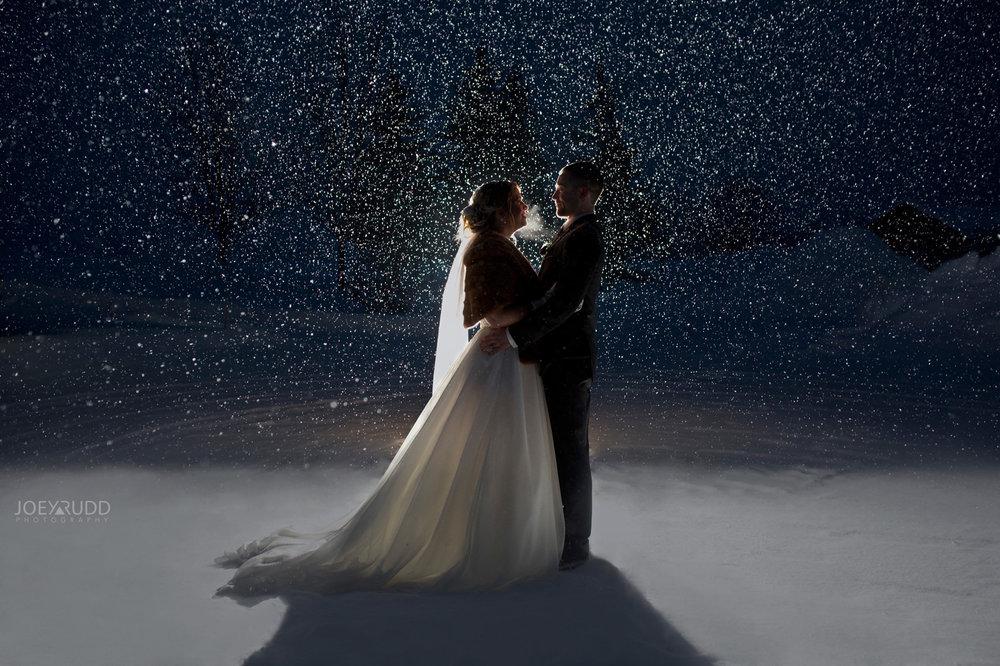 Winter Wedding in Ottawa at Greyhawk Golf Club by Ottawa Wedding Photographer Joey Rudd Photography Snowy Night