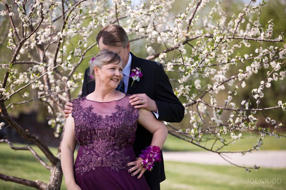 Elopement Wedding Officiant, Elopement Wedding Photographer, Ottawa Wedding Photographer, Ottawa Wedding Photography, Flowers Jabulany Winery