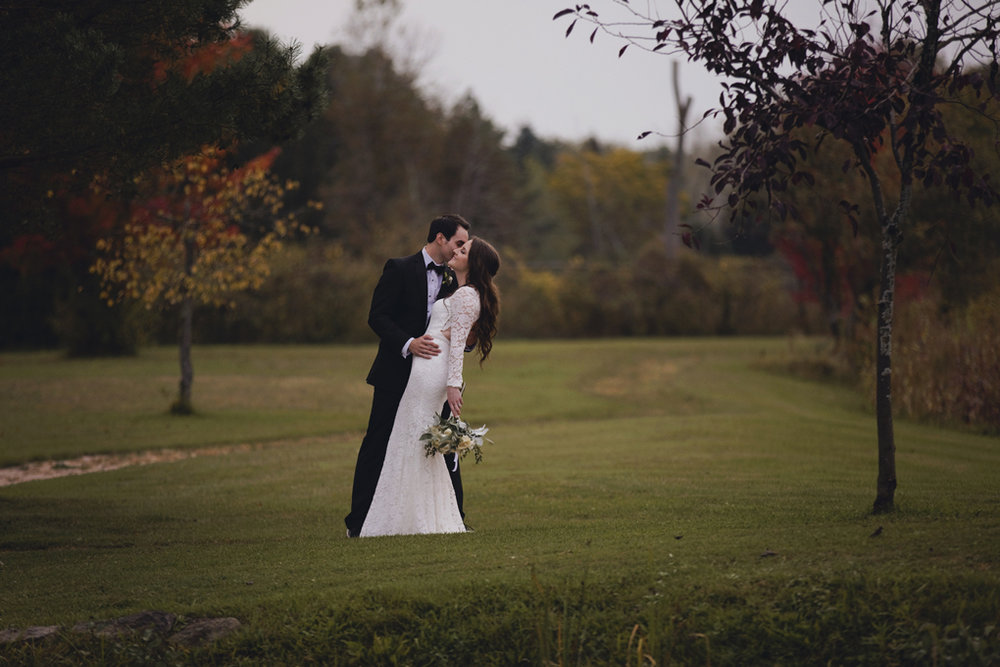 Best Wedding Photos of 2017, Ottawa, Ottawa Photographer, Joey Rudd Photography, Elopement Photographer, Ottawa Wedding Venue, Wedding Day Shot List, Must Have Wedding Photos, Fall