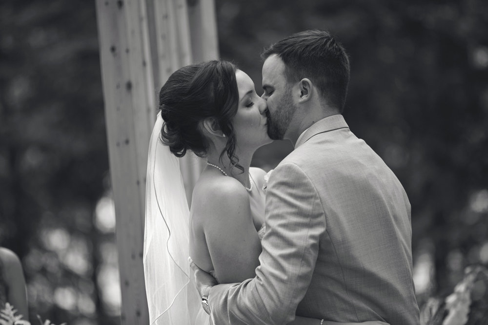 Best Wedding Photos of 2017, Ottawa, Ottawa Photographer, Joey Rudd Photography, Elopement Photographer, Ottawa Wedding Venue, Wedding Day Shot List, Must Have Wedding Photos, Kiss