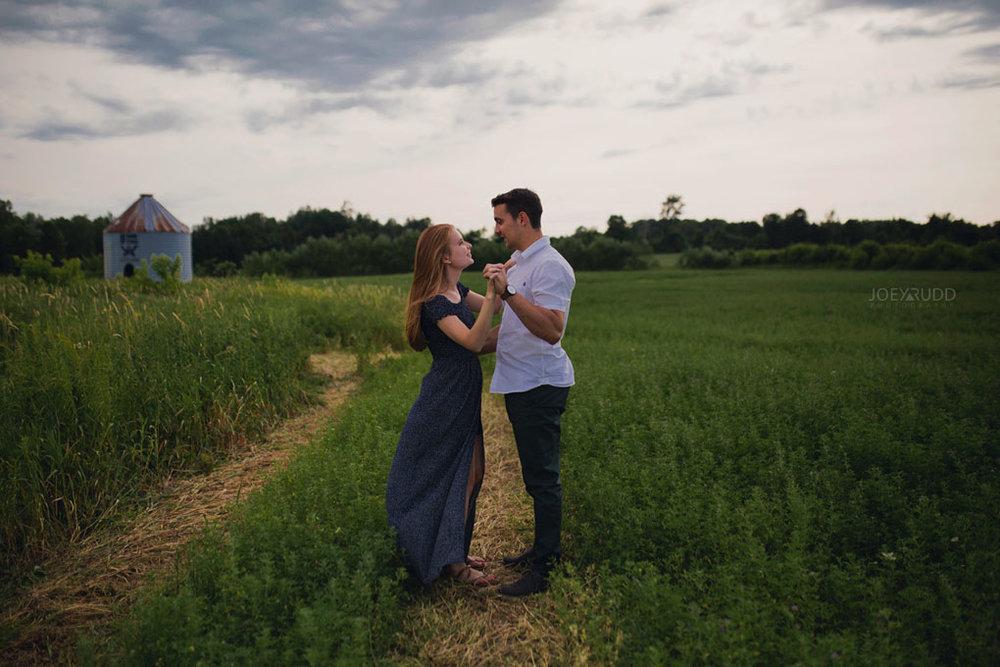 Ontario Photographer, Engagement Photos, engagement photographer, Newington photographer, ottawa photographer, ottawa wedding, ottawa wedding photography, rustic wedding, rustic engagement, farm wedding, farm wedding photos, field