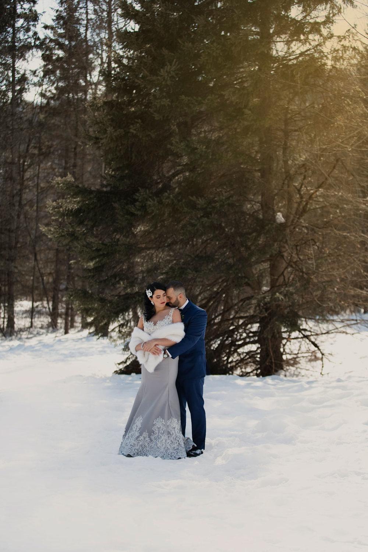 Ottawa winter wedding, ottawa wedding photography, ottawa wedding photographer, winter wedding ontario, wedding photos in snow