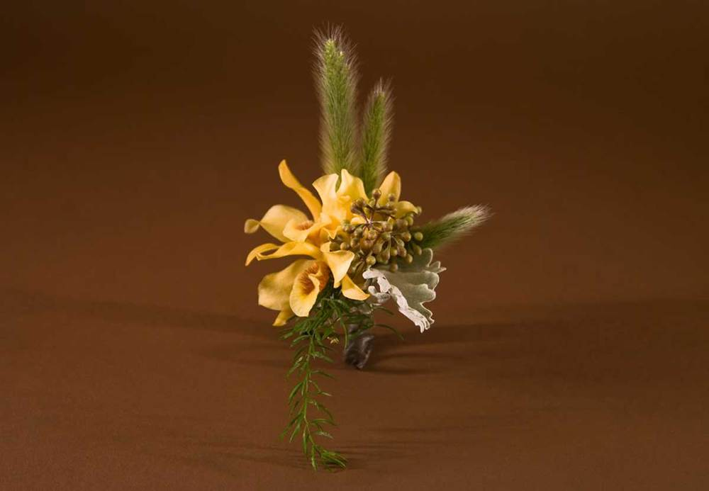 11/12  Boutonniere / Small Corsage - #11 - $25