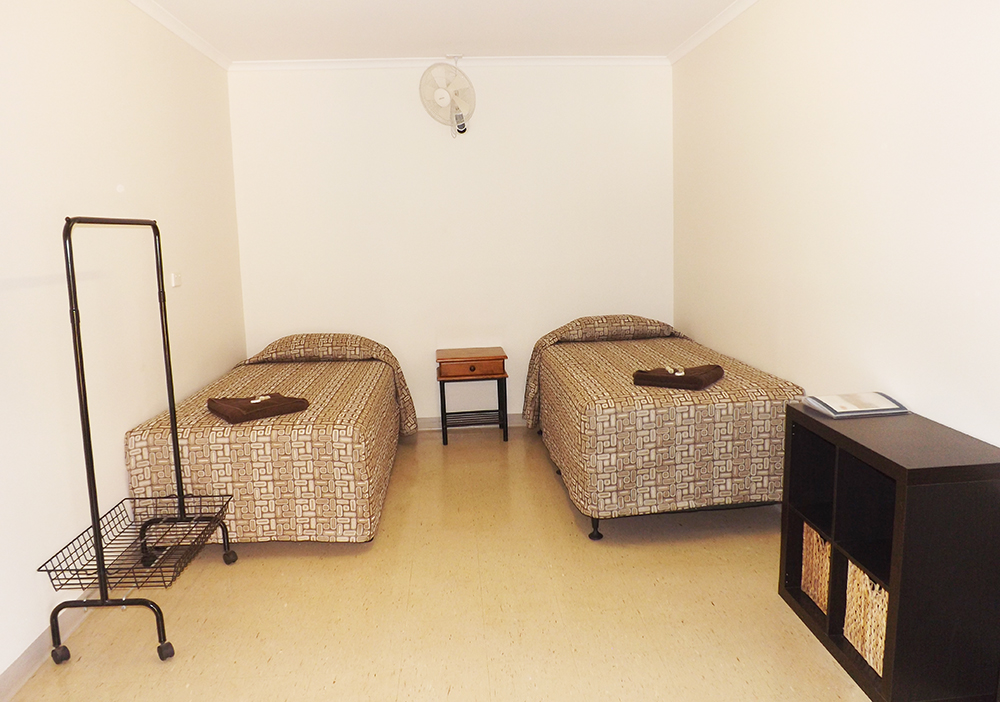 Twin Budget Room Derby Lodge.JPG