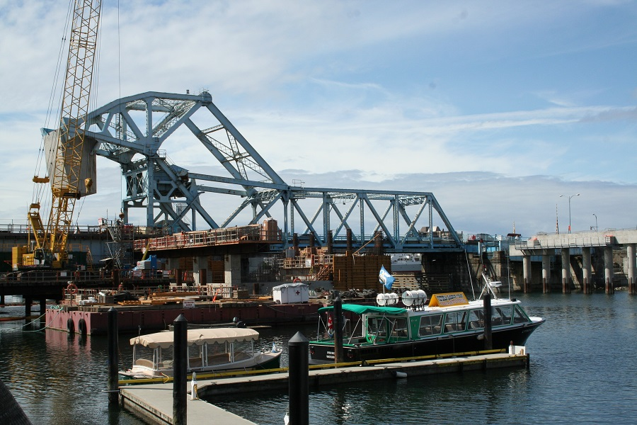 Johnson_Street_Bridge (1).JPG
