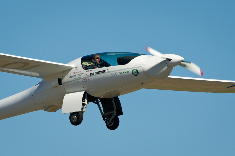 EcoEagle_Stemme_S10_take-off_at_2011_Green_Flight_Challenge_1.jpg