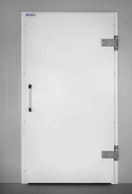 Kjøle- og frysedører   Fresvik Produkt tilbyr standard dører, skipsdører, lettdører med vårt nye Fresvik hengsel, i tillegg til industrislagdør.    Les meir