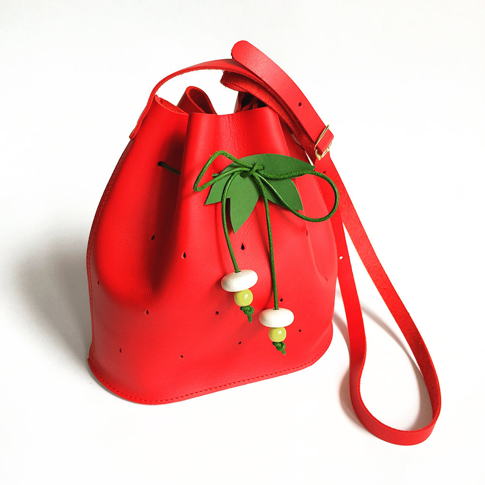 Mini Strawberry Bucket Bag