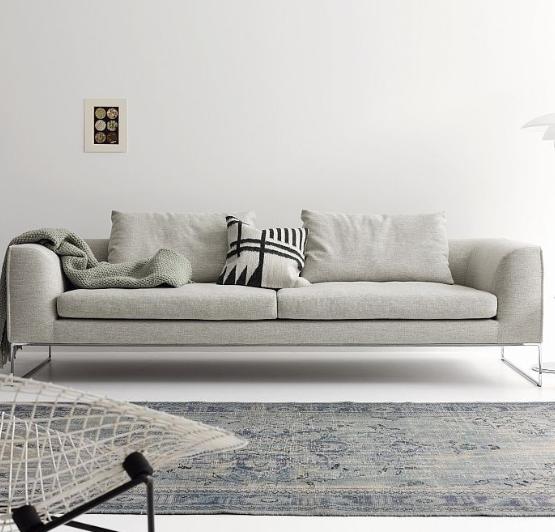 Sofa heller Stoffbezug .png