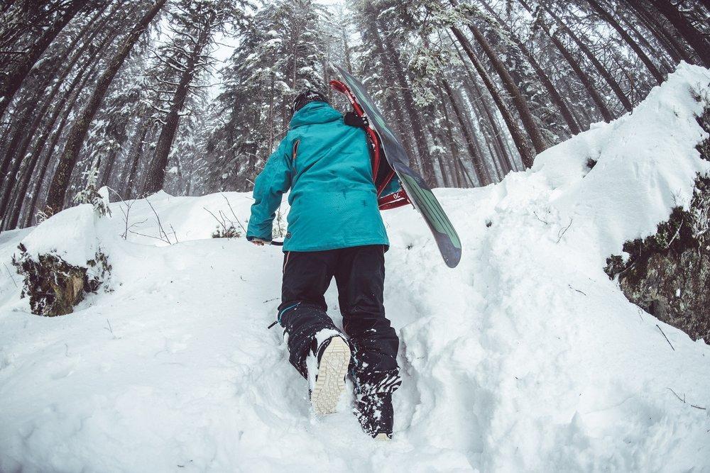 Skiing | Healthy Holiday Gift Guide 2016 | Tori Schmitt, MS, RDN, LD