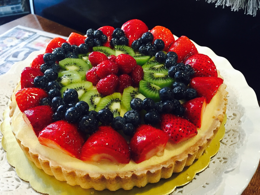 "9"" fresh fruit tart"