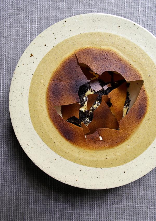 Burnt Jerusalem artichoke, roasted hazelnuts, salty caramel and malt by chef Søren Selin