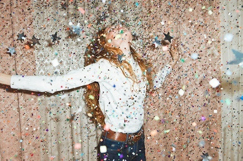 danyelabc :     Untitled en We Heart It.  http://weheartit.com/entry/89019938      glitter haze