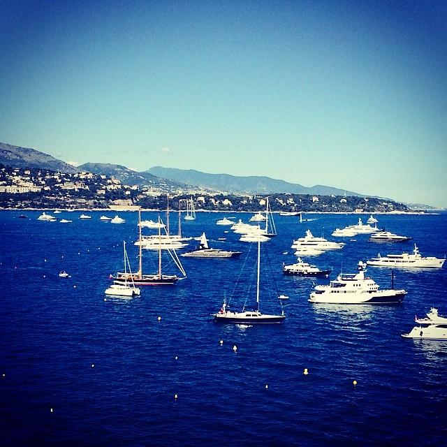 Boat soup. #monaco  (at Piscine Du Fairmont Hotel Monaco)
