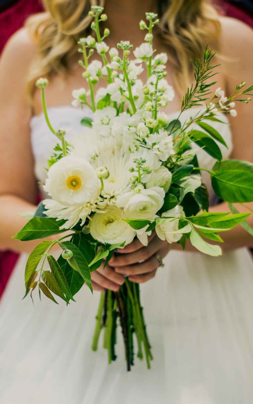 classic white boho bridal bouquet