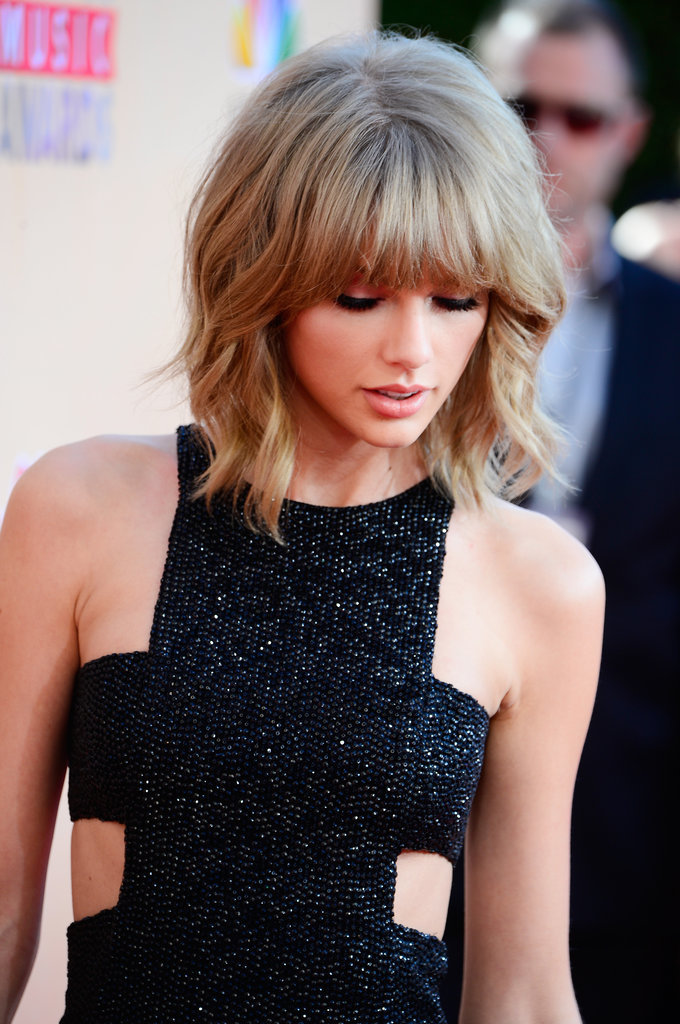 Taylor-Swift-Mullet-Lob-iHeartRadio-Music-Awards.jpg