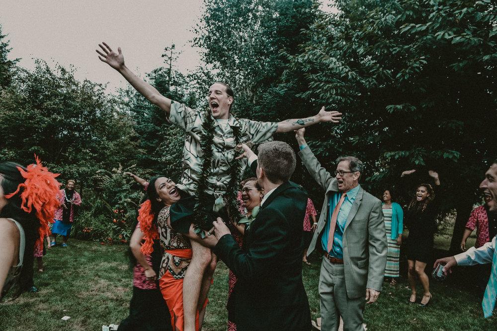 SEATTLE INTIMATE WEDDING PHOTOGRAPHER
