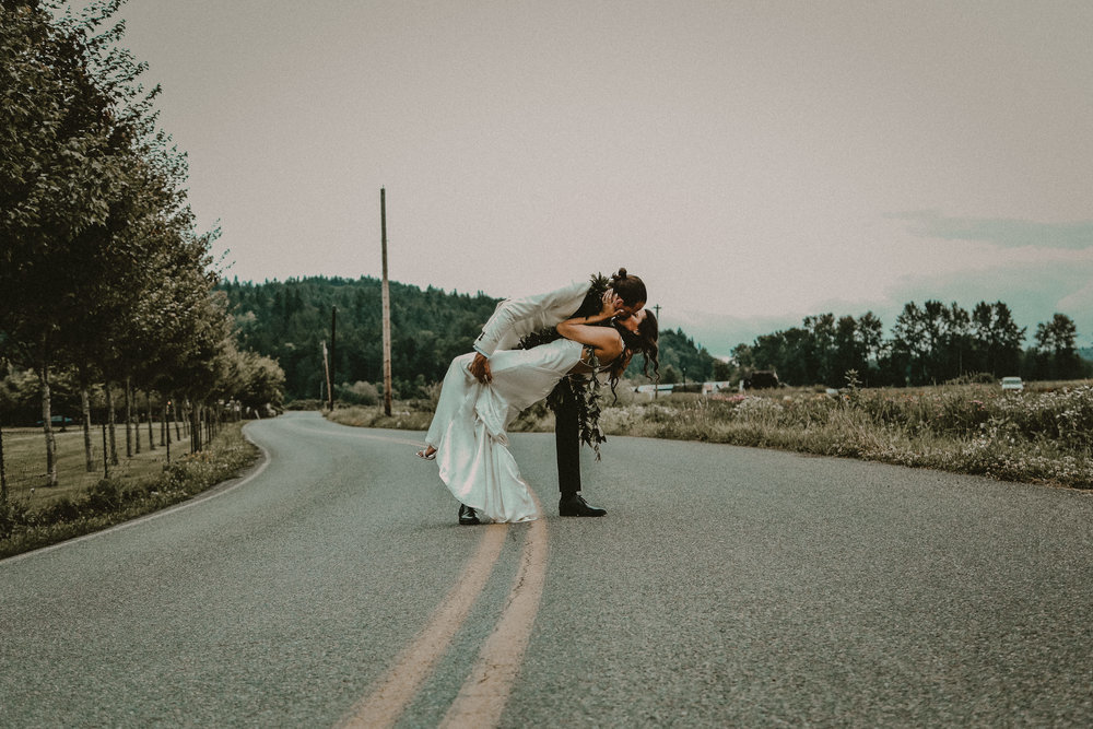 SEATTLE INTIMATE WEDDING PHOTOGRAPHER