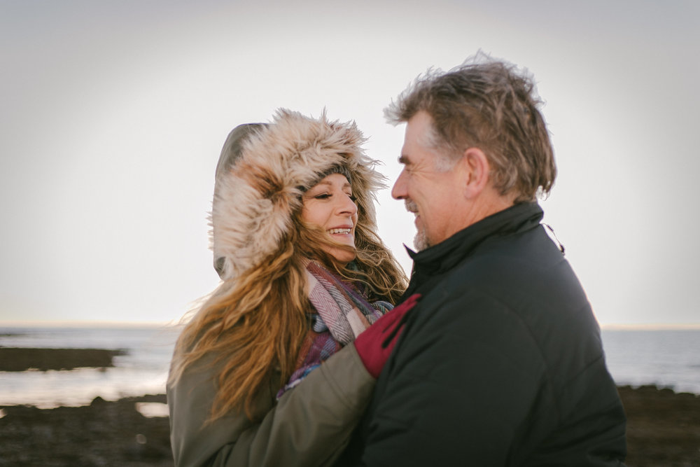 A LITTLE LOVE PHOTO SESSION IN ICELAND- ICELAND ELOPEMENT PHOTOGRAPHER | Zakas Photography