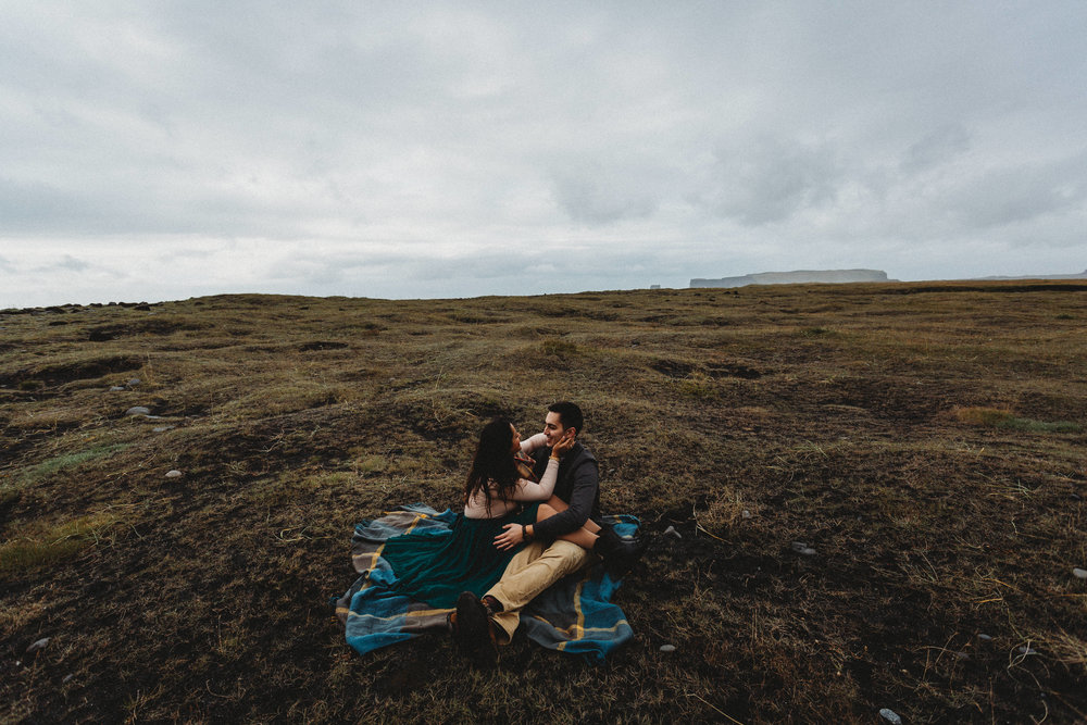 ICELAND ENGAGEMENT SESSION AT REYNISFJARA BEACH | ICELAND WEDDING PHOTOGRAPHER
