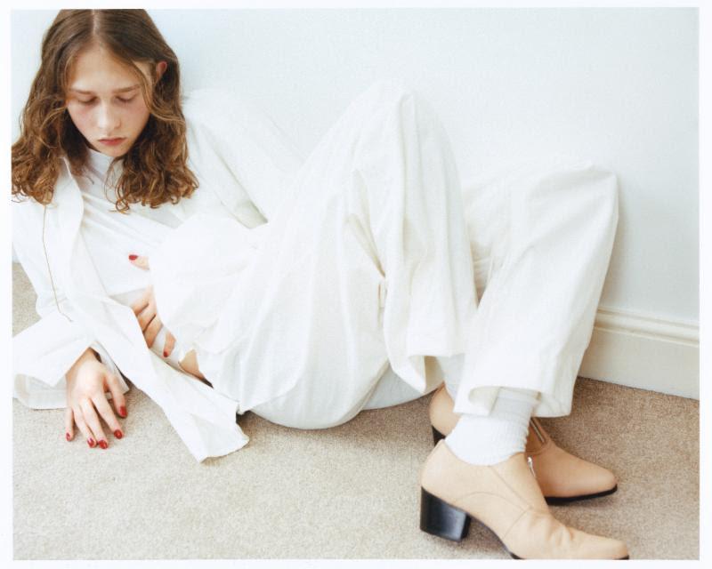 Lauren Auder music.jpg